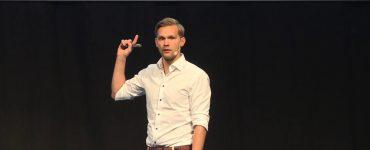 AnalyticsOps: The Path To Production - Errol Koolmeister
