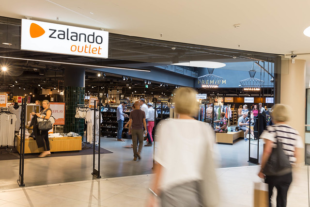Using data in hyper-growth recruiting mode: How Zalando does it