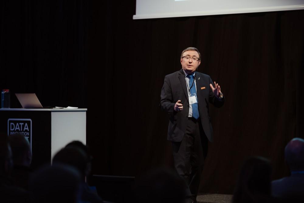 Diego Galar presenting at Data Innovation Summit 2019