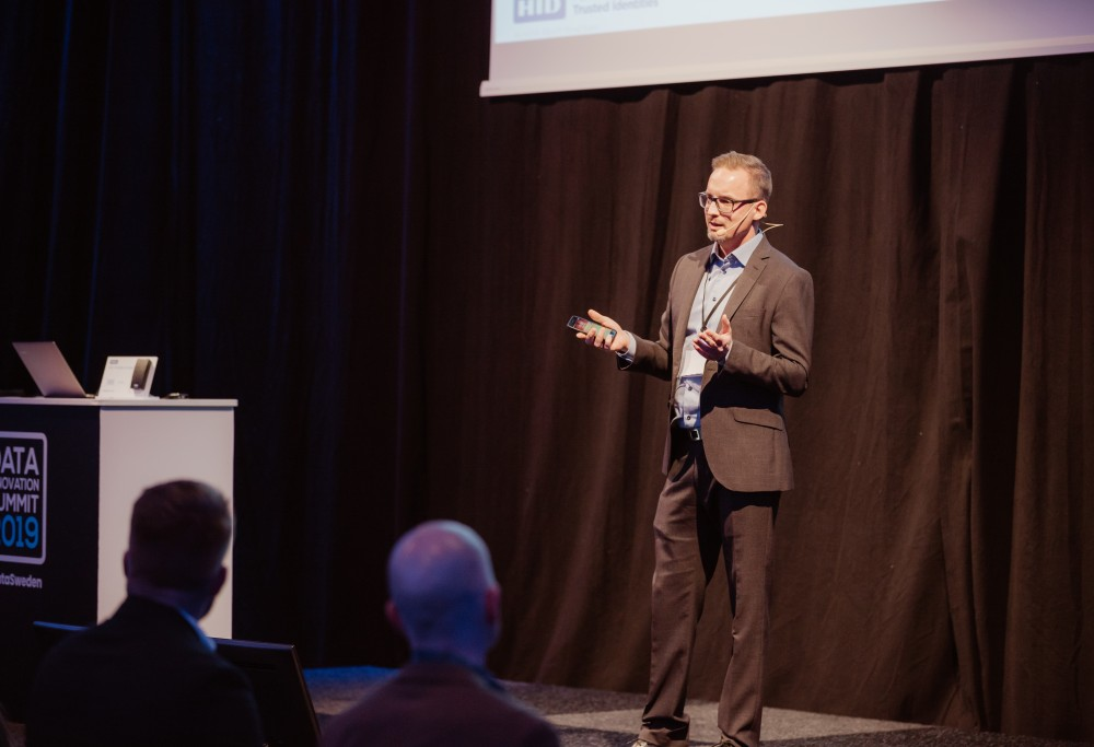 Johan Eliasson presenting at Data Innovation Summit 2019