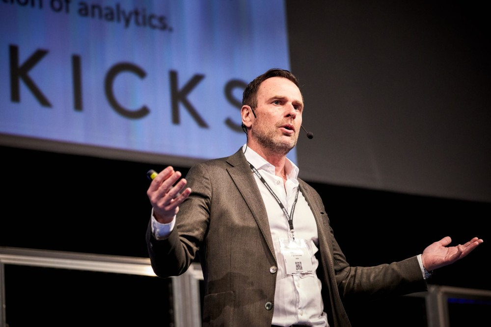 Fredrik Backner presenting at the Data Innovation Summit