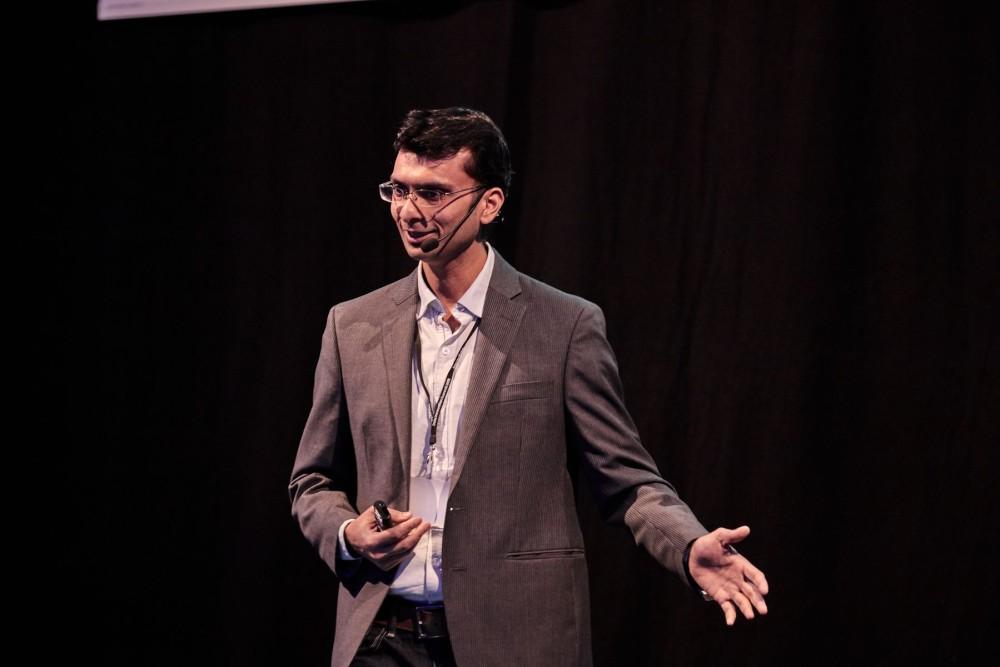 Girish Agarwal, Director AI Lab at Husqvarna Group presenting at the Data Innovation Summit