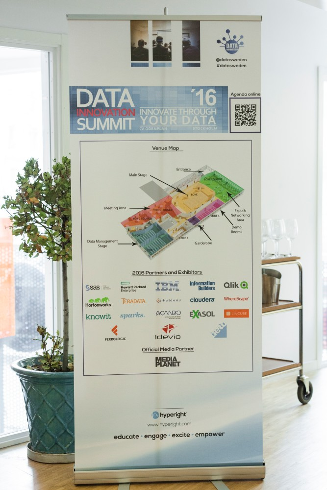 Data Innovation Summit: 5 years of data and analytics journey (2016)