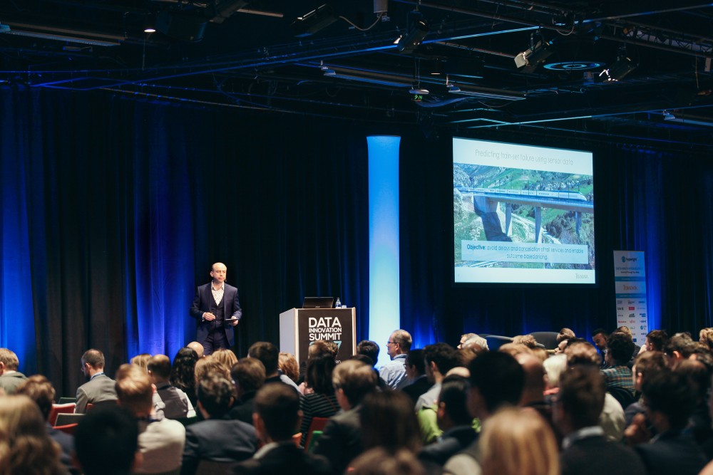 The Data Innovation Summit: 5 years of data and analytics journey (2017)